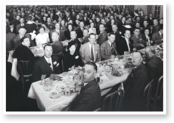 The first meeting of Dairy Queen® National Trade Association (DQNTA) happens in Davenport, Illinois. The group developed standardized cones, paper and plastic goods, food products, as well as advertising.